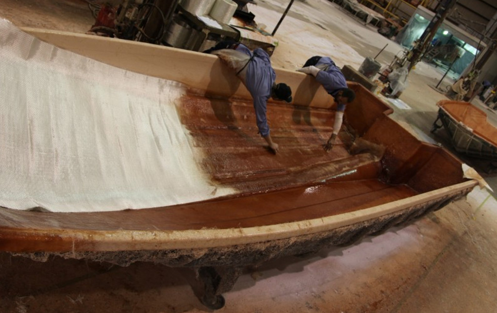 blue wave boat construction hand laid resins